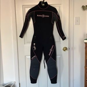 7 mm Aqualung dive wetsuit